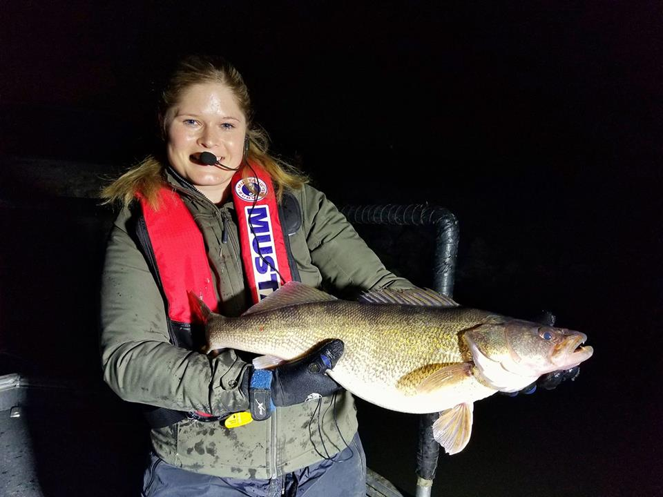 Lee 39 s summit lakes walleye sampling success mahoney outdoors for Kansas city star fishing report